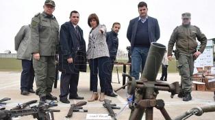 """El titular de Aduanas calificó de """"histórico"""" el decomiso de 2500 armas"""