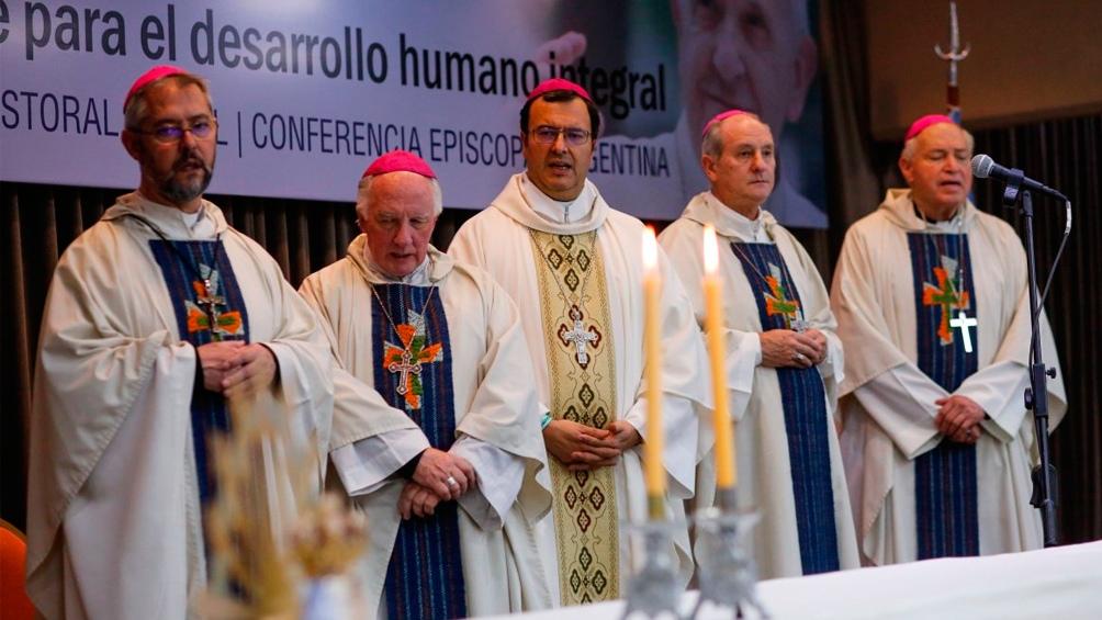 La Iglesia convoca a manifestarse en contra del proyecto del aborto - Télam  - Agencia Nacional de Noticias