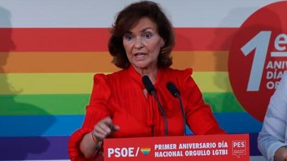 """Carmen Calvo (PSOE) dijo que le preocupa """"la idea de pensar que se elige el género sin más que la mera voluntad o el deseo"""""""