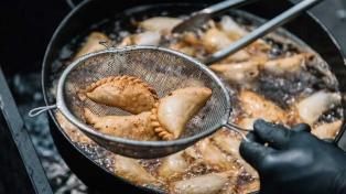 Cocineros de 10 provincias compiten por la mejor empanada