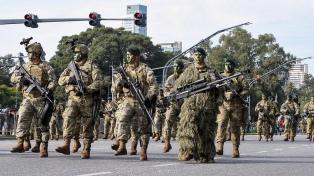"""Rossi: """"El aumento a las Fuerzas Armadas es un acto de justicia"""""""