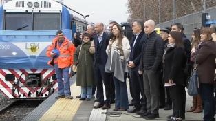 Llegó a Retiro el primer servicio de la línea San Martín tras la inauguración del viaducto