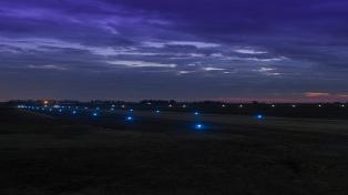 Instalarán balizamiento en diez aeródromos para permitir vuelos nocturnos