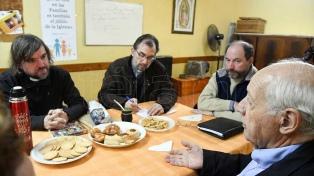 Lavagna se reunió en San Cayetano con el equipo de curas para las villas
