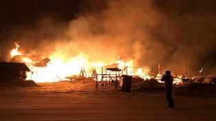 Un incendio destruyó una de las confiterías del centro de esquí