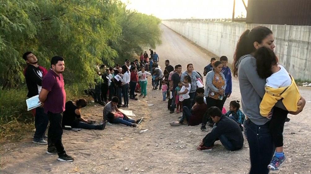 La Justicia avaló y Trump podrá cerrar el programa que protege 400.000 migrantes