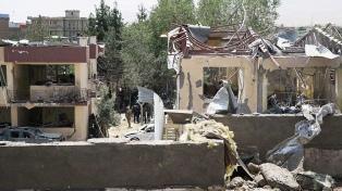 Al menos 14 muertos en un atentado explosivo contra la policía en Kabul
