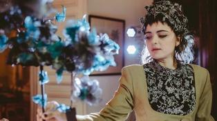 Nikole Tursi, la joven que conquistó el premio Colbert con sus sombreros