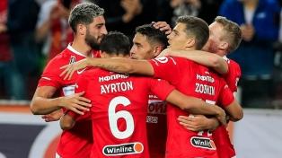 Spartak Moscú, con un gol del argentino Ezequiel Ponce, avanzó en la Pre Europa League
