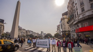Familiares de víctimas de tránsito realizaron una intervención en el Obelisco