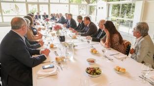 """Macri les pidió a los senadores oficialistas """"mayor participación"""" en la campaña"""