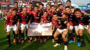 Colón le ganó por penales a Atlético Tucumán y avanzó a cuartos