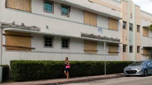 Argentinos residentes en Miami se preparan para recibir el huracán Dorian