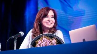 Revocan procesamiento a Cristina Fernández en una causa por supuestas coimas en corredores viales
