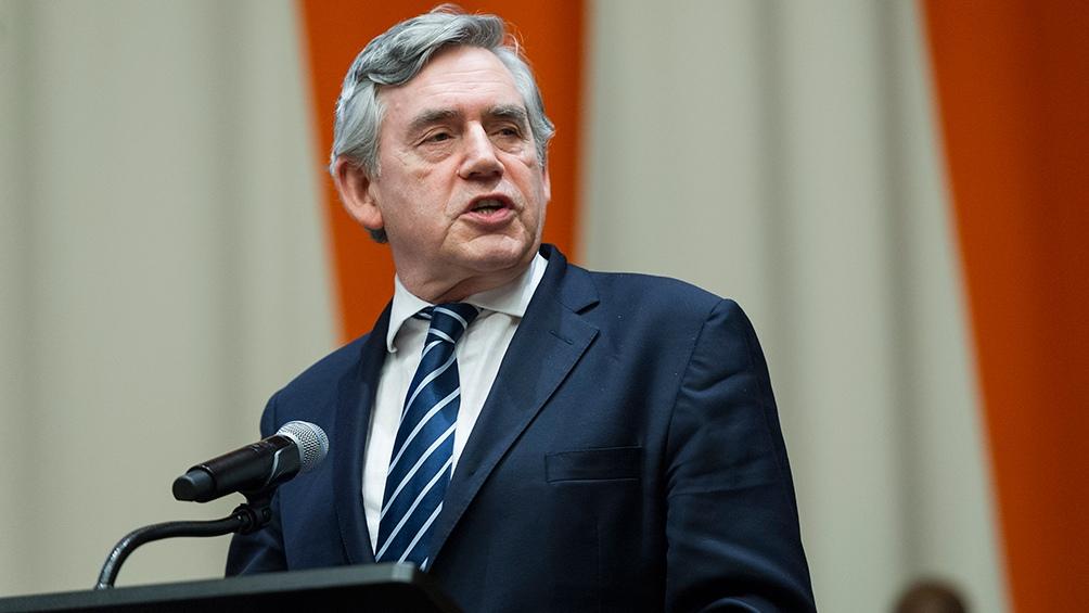 Gordon Brown instó al Gobierno de Boris Johnson a delegar más poder en las regiones