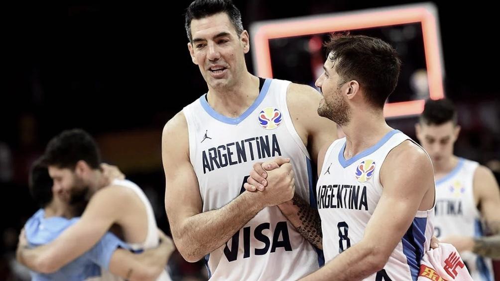Luis Scola y Nicolás Laprovíttola, figuras de la selección argentina de básquet.