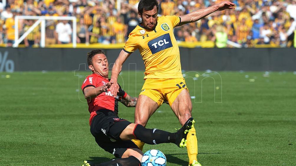 Central y Newell's deben enfrentarse el domingo por la duodécima fecha de la Copa de la Liga Profesional de Fútbol.