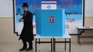 Más de seis millones de israelíes se preparan para votar este martes