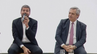"""Alberto Fernández con radicales: """"Yo también soy el resultado de Alfonsín"""""""