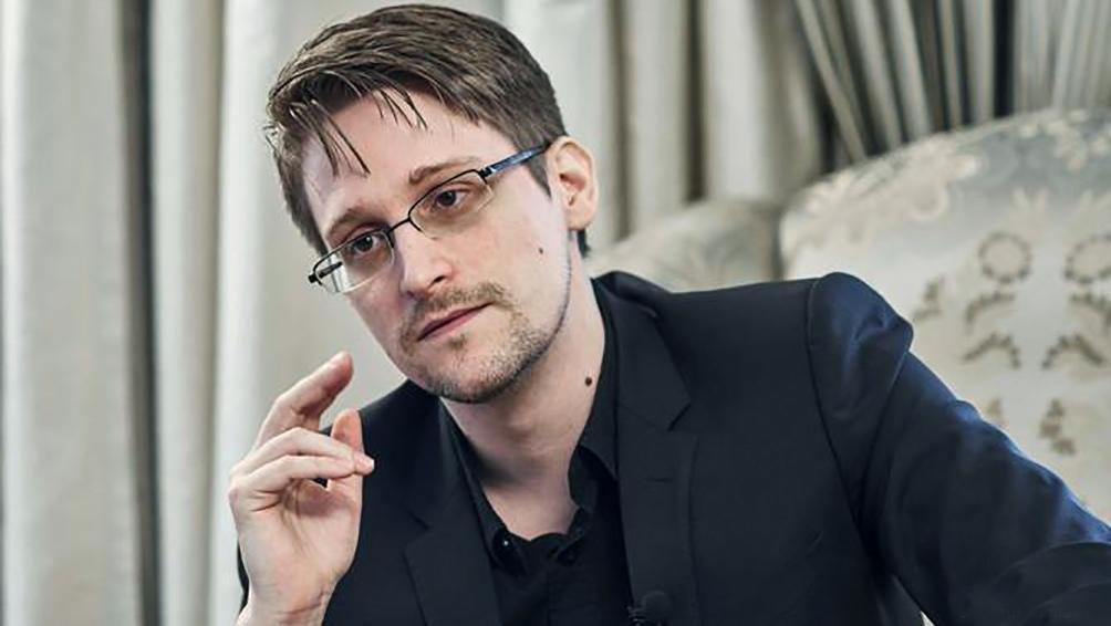 Rusia le otorga el permiso de residencia permanente a Snowden