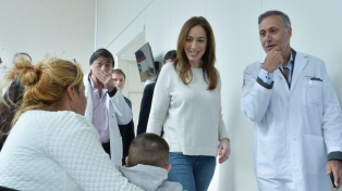 La gobernadora Vidal visitó un hospital y recorrió el centro comercial de San Isidro