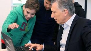 El Presidente recibió a los equipos campeones de Programación y Robótica