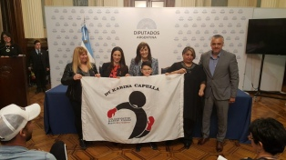 Diputadas del Frente Renovador reconocieron a Karina Cappella por su labor social a través del boxeo