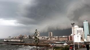 Tres barrios sin luz en Mar del Plata por la caída de un rayo
