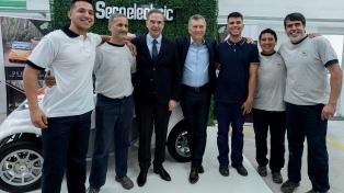 Macri anunció la eliminación de las contribuciones patronales para las Pymes que tomen empleados