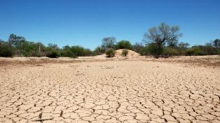 Poblaciones que estuvieron inundadas ahora no tienen agua por la sequía