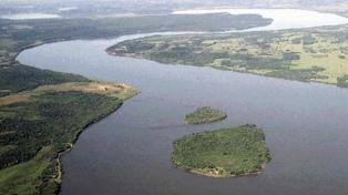 Por la bajante del río Paraná cae la producción de agua potable