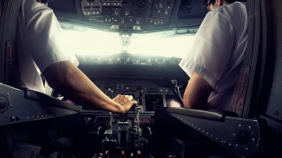 Hubo principio de acuerdo con pilotos y no habrá paros el fin de semana