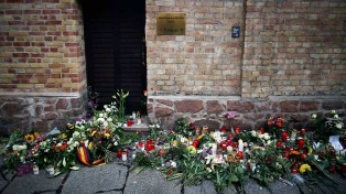 Buscan tranquilizar a la comunidad judía tras ataque neonazi a una sinagoga