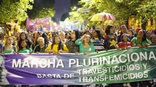 Mujeres, trans y travestis marcharon contra los travesticidios en La Plata