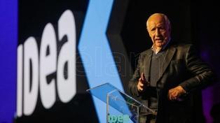 Lavagna aseguró que no habrá resolución del tema fiscal ni al de la deuda si la economía no arranca
