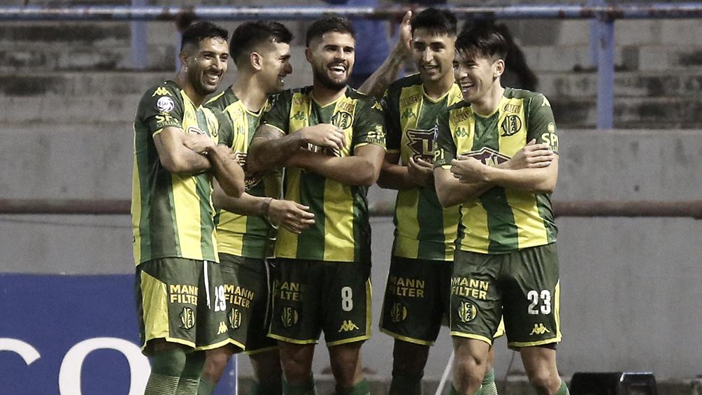 Aldosivi y Central Córdoba juegan en un duelo vital por la permanencia