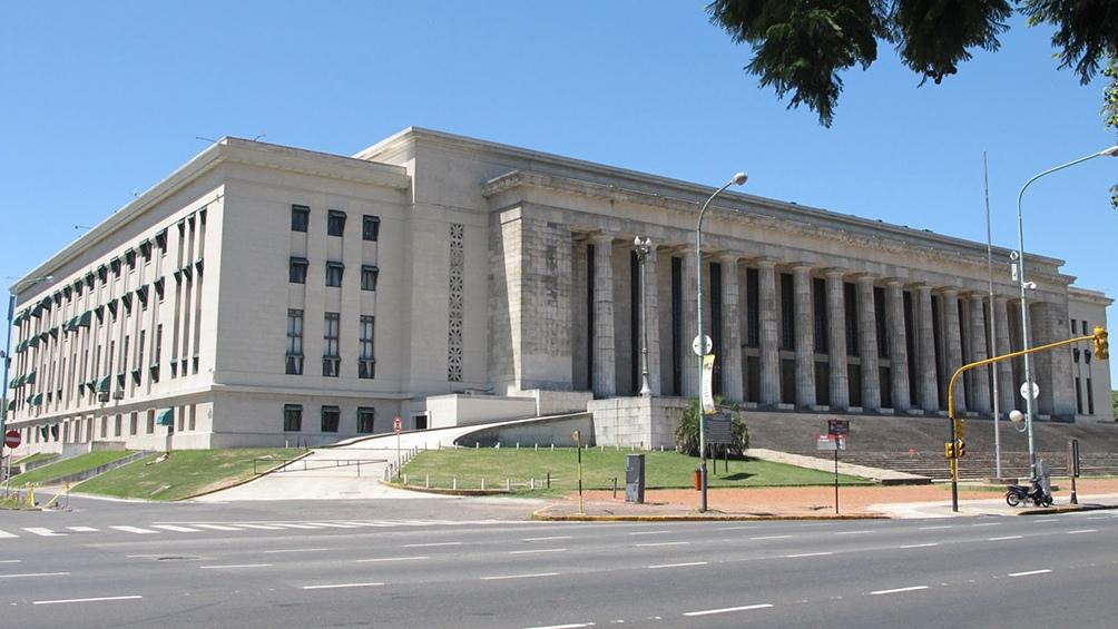 Universidade de Buenos Aires (UBA) - Faculdade de Direito