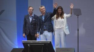 """En un multitudinario acto en el Obelisco, Macri pidió """"dar vuelta"""" la elección y no volver al pasado"""