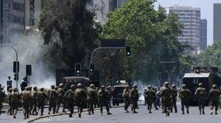 Denunciaron abusos sexuales de carabineros chilenos a mujeres durante el toque de queda