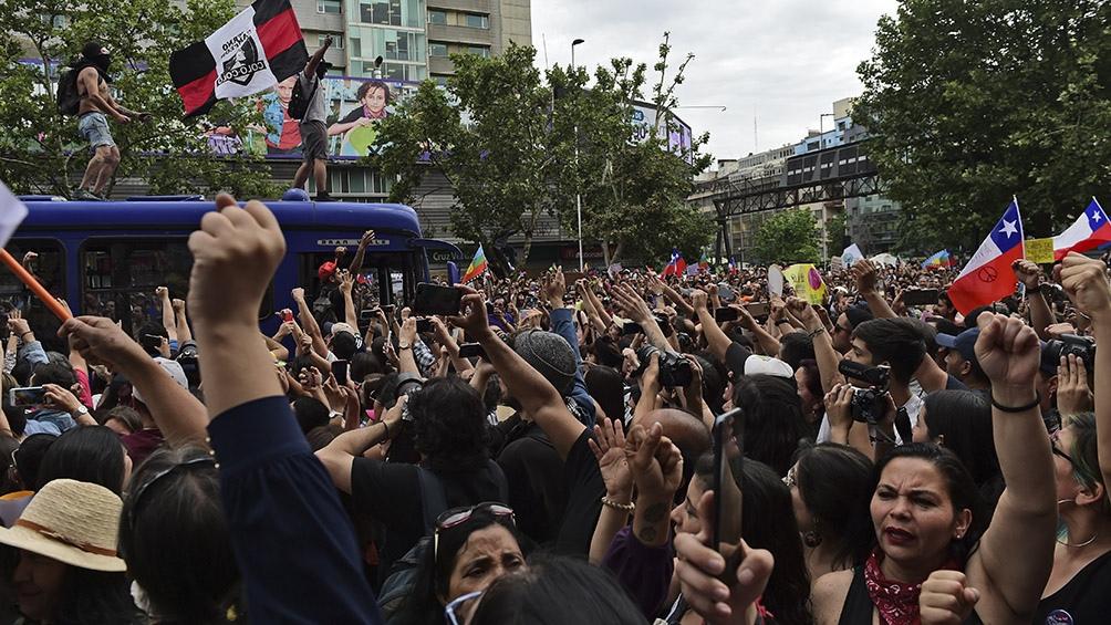 Pérez y Woldarsky fueron trasladados junto a otras seis personas a la Tercera Comisaría de Santiago.