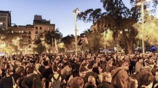 Tras una manifestación masiva y pacífica, vuelven los disturbios a Barcelona