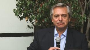 """Fernández dijo que Slim le expresó su """"compromiso de seguir invirtiendo"""" en el país"""