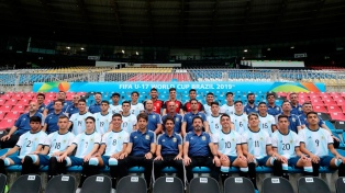 Argentina empató con el subcampeón España en su debut en Brasil