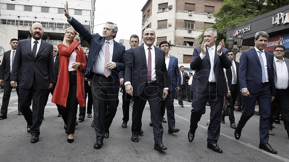 Fernández se reunirá con Manzur y otros gobernadores de la región.