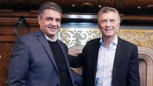 Reapareció Macri en su oficina en Olivos, y después viajó a Qatar