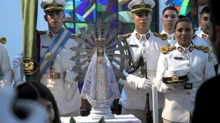 Después de 37 años, volvió al país la Virgen de Luján que estuvo en Malvinas