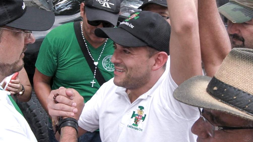 Desde la oposición, Luis Camacho se perfila como ganador en Santa Cruz.