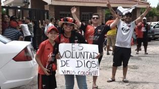 Se espera que pasen a Paraguay unos 35.000 hinchas y 300 micros de Colon