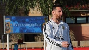 Messi y Agüero entrenaron con el grupo, de cara al duelo ante Brasil