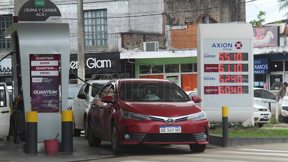 El Gobierno postergó para marzo el aumento del impuesto al combustible